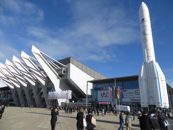 Architektura kosmiczna na Międzynarodowym Kongresie Astronautycznym w Bremie